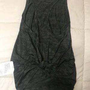 NWT Lululemon Sz 8 Mile Ahead Tank Camo Green